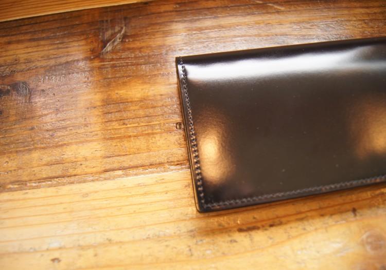 通しマチ長財布(プラチナブラック)